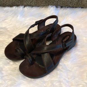 Khombu Walking Sandals Sz 7 1/2